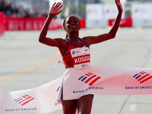 Nuovo record mondiale maratona femminile con Brigid Kosgei