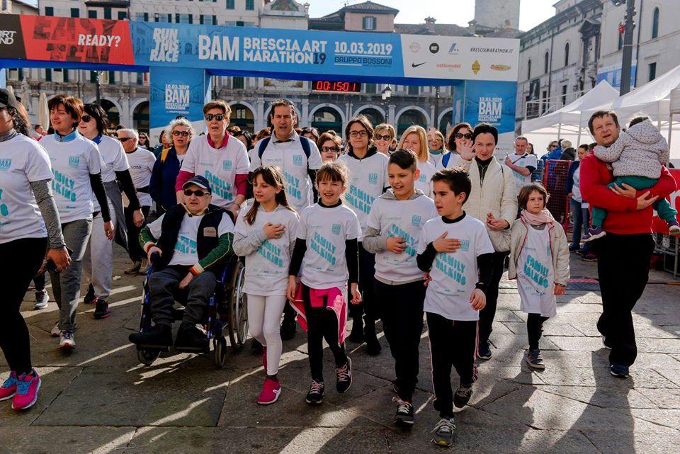 brescia-art-marathon-2019-rosa-associati-family-walking
