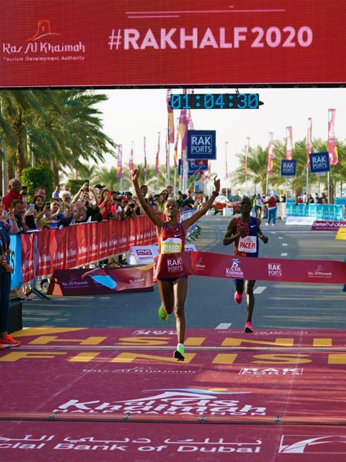 rak-half-marathon-rosa-associati-world-record-ababel-yeshaneh-3